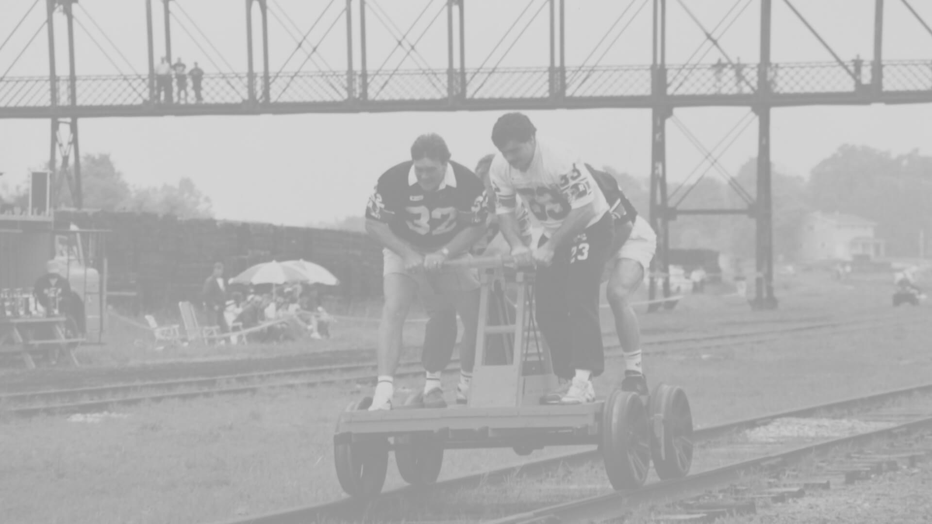 handcar-races-palmerston-1992-bw