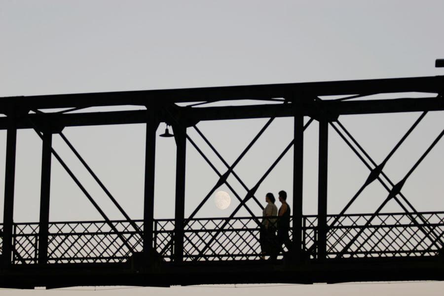 palmerston-pedestrian-bridge-sunset