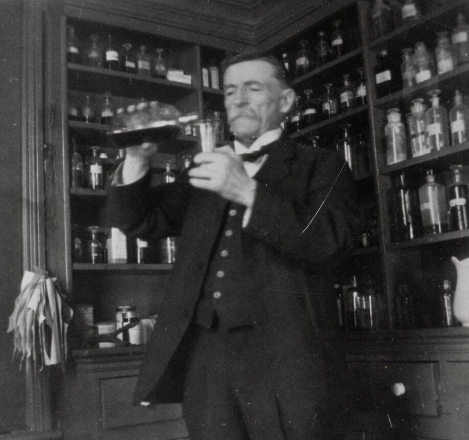 dr. alexander stewart 1900